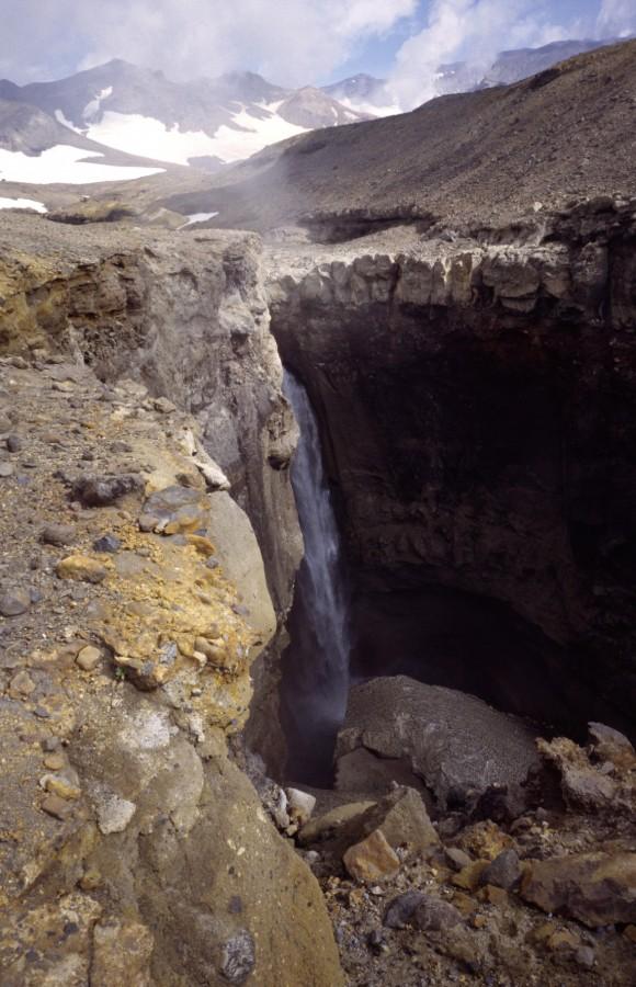 Water falls 100 meters deep, Mutnovki Vulcano, Kamshatka